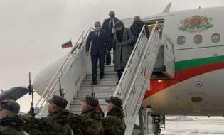 Румен Радев пристигна в Естония